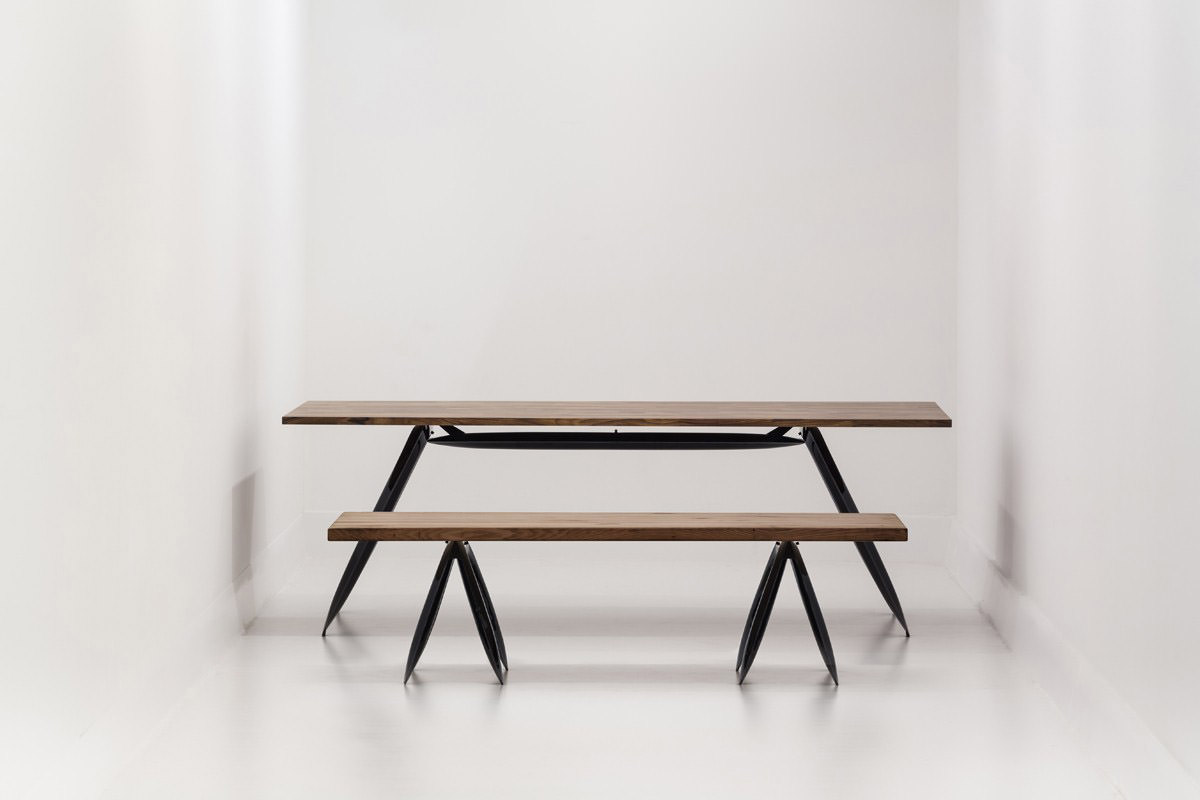 Nogi-fidu-table